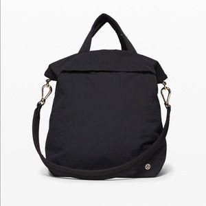 ✨ EUC Lululemon On My Level Bag 30L✨